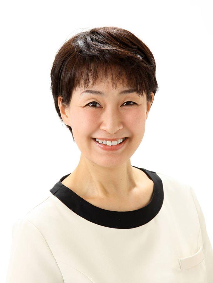 鍋島文子さん